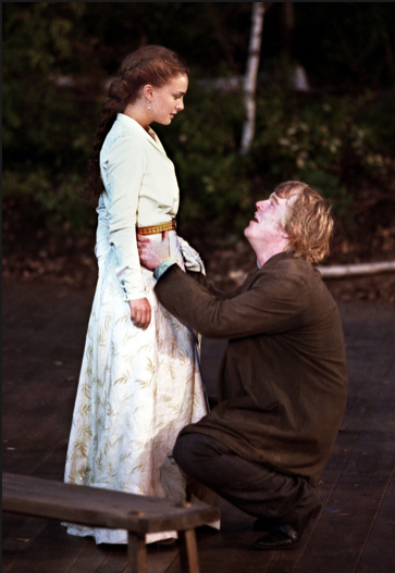Philip Seymour Hoffman and Natalie Portman in The Seagull